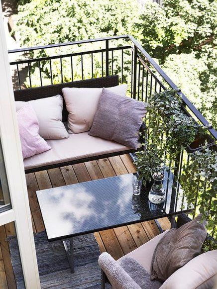15x-tische-auf-dem-balkon-15