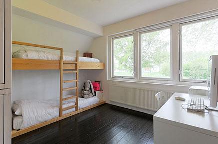 Authentisch Deich Haus mit einem modernen Innenraum (17)