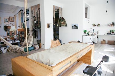 Schreibtisch-Bett-Kombination