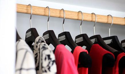 Traditioneller begehbarer Kleiderschrank Kvanum