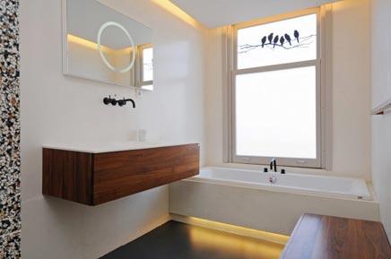 Badezimmer design mit luxuriöse Materialien