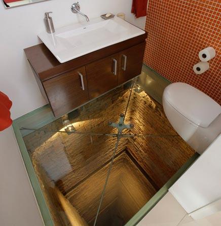 Badezimmer mit transparant Glasboden