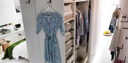 begehbarer-kleiderschrank-hinter-bett (2)