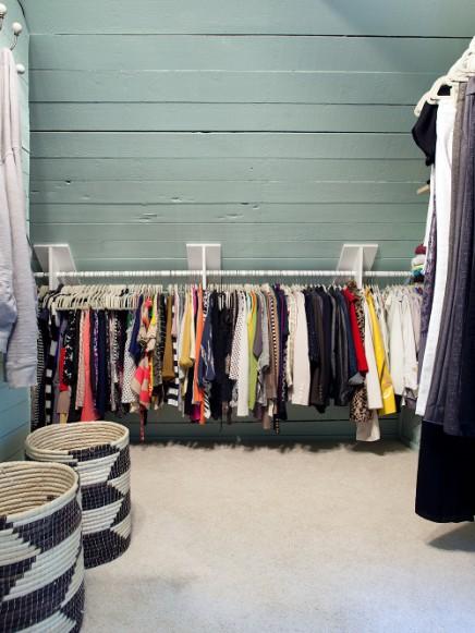 Begehbarer kleiderschrank dachschräge kleiderstange  Begehbarer kleiderschrank von Molly und Robert | Wohnideen einrichten