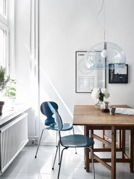 blaue-stuhle (1)