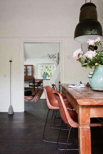 Braunes Leder Esszimmerstuhl mit schwarzem Stahlbeine