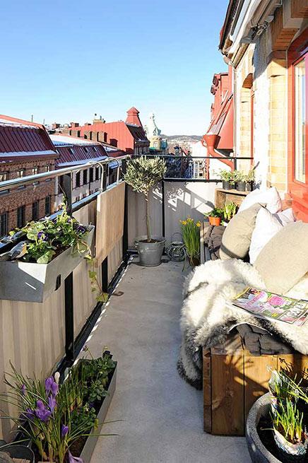 Breiter Balkon mit Blick