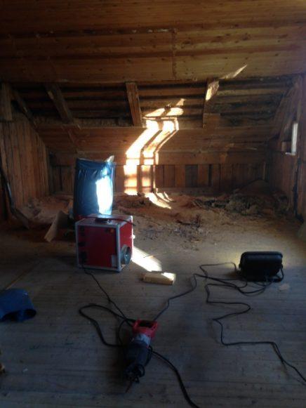 carl-johan-und-sara-wuchs-eine-alte-kirche-in-ihr-traumhaus (13)