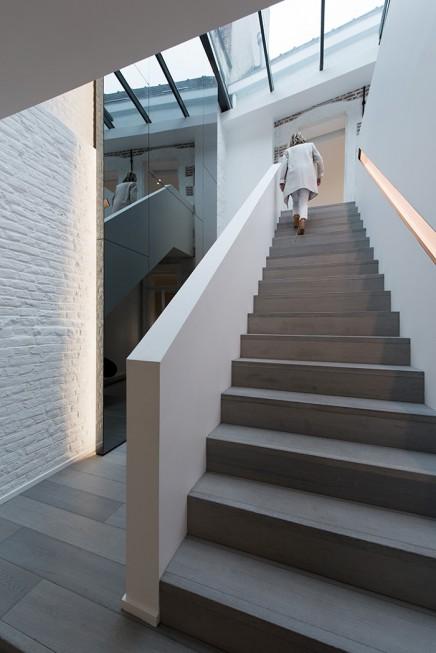 charakteristisches-haus-modernem-interieur (13)