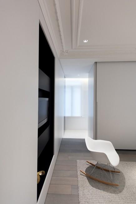 charakteristisches-haus-modernem-interieur