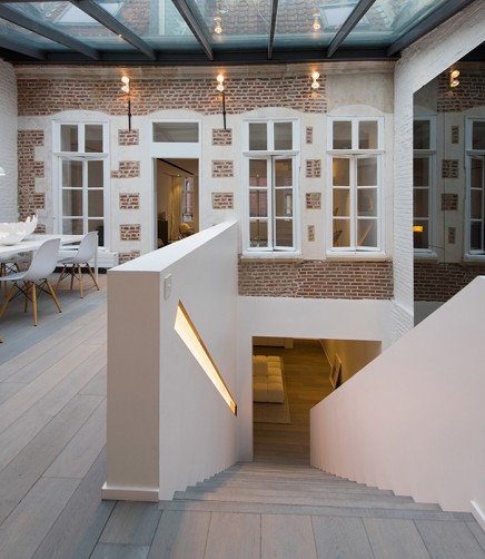 charakteristisches-haus-modernem-interieur (9)