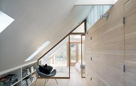 dachgeschoss schlafzimmer in victorian hause wohnideen einrichten. Black Bedroom Furniture Sets. Home Design Ideas