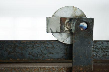 danische-wohnung-mit-industrie-details-von-kunstler-gitte-1