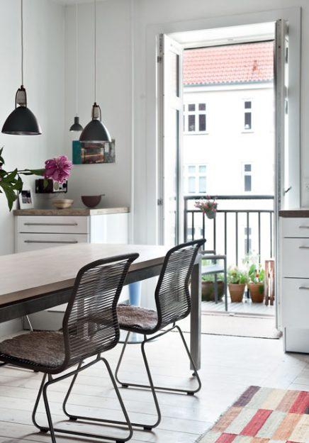 danische-wohnung-mit-industrie-details-von-kunstler-gitte-10