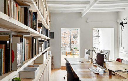 Das b ro des architekten sauquet arquitectes wohnideen einrichten - Buro 13 architekten ...