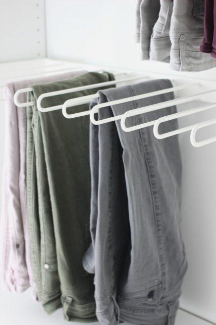 begehbarer kleiderschrank wohnideen einrichten. Black Bedroom Furniture Sets. Home Design Ideas