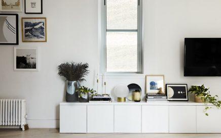 die new yorker loft wohnzimmer ist in einem sch nen skandinavischen stil wohnideen einrichten. Black Bedroom Furniture Sets. Home Design Ideas
