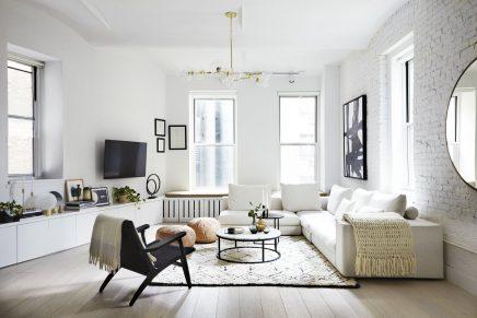 Die New Yorker Loft Wohnzimmer ist in einem schönen ...