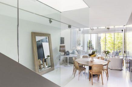 Diese spielerische moderne Wohnung ist super schön und ...