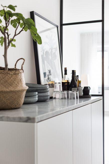 diese-wohnung-ist-wie-eine-suite-eines-luxushotels-skandinavischen-dekoriert (13)