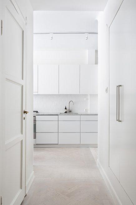 diese-wohnung-ist-wie-eine-suite-eines-luxushotels-skandinavischen-dekoriert (7)