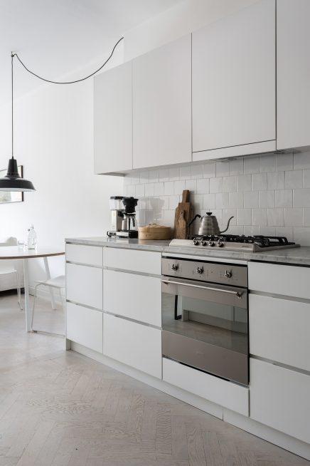 diese-wohnung-ist-wie-eine-suite-eines-luxushotels-skandinavischen-dekoriert (8)