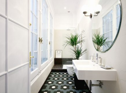 Dieses Schone Badezimmer Hat Einen Retro Look Wohnideen Einrichten