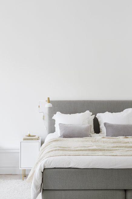 frische-schicke-schlafzimmer-mit-gold-details (5)