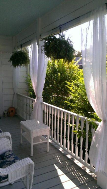 gardinen h ngen auf dem balkon wohnideen einrichten. Black Bedroom Furniture Sets. Home Design Ideas