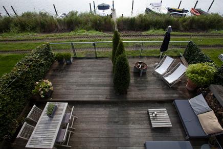 Garten auf dem Wasser in Amsterdam IJburg