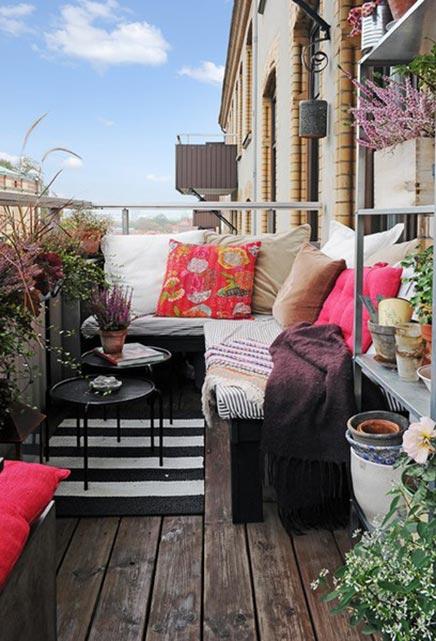 Gemütliche Balkon mit Sitzecke