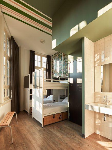generator-hostels-amsterdam-20