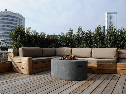 gro e dachterrasse loft wohnung in rotterdam wohnideen. Black Bedroom Furniture Sets. Home Design Ideas