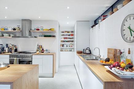 Große offene Küche von Kahtryn Tyler