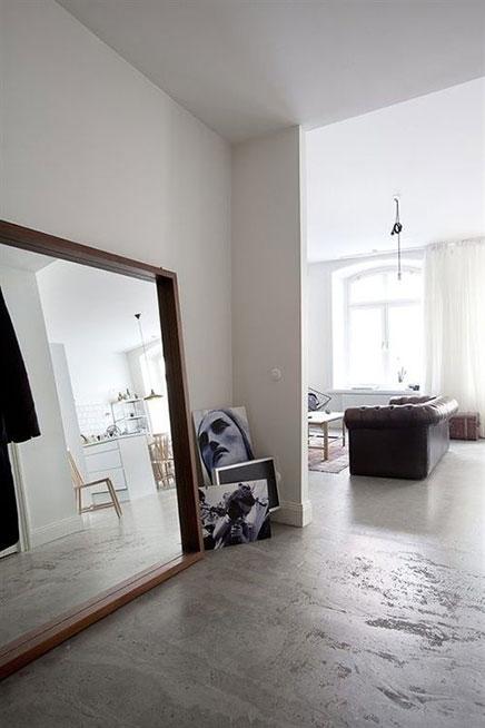 grose-spiegel-auf-bodem (5)