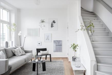 großes wohnzimmer mit offener küche und treppe | wohnideen einrichten, Hause deko
