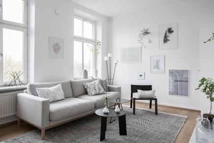 gro es wohnzimmer mit offener k che und treppe wohnideen einrichten. Black Bedroom Furniture Sets. Home Design Ideas