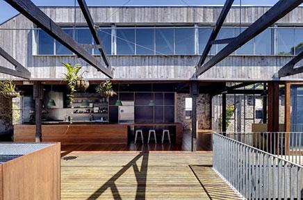 Harte badezimmer von industrielle villa wohnideen einrichten for Villa einrichten