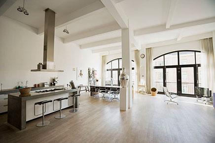 Helle Dachgeschosswohnung in Amsterdam verkauft