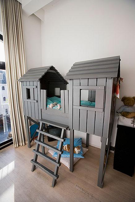 helle dachgeschosswohnung in amsterdam verkauft wohnideen einrichten. Black Bedroom Furniture Sets. Home Design Ideas