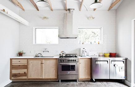 Helle Küche der Werbung Fuzzco