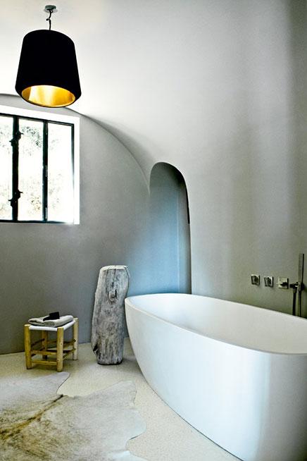 Helles Badezimmer in alte Scheune