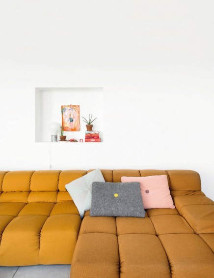 Helles wohnzimmer mit sch nen farbpalette wohnideen for Farbpalette wohnzimmer