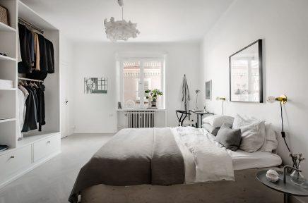 In diesem schönen Schlafzimmer finden Sie ein cooles DIY-Unterbett ...