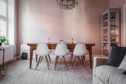 in-diesem-schonen-wohnzimmer-wande-sind-bemalt-rosa-3