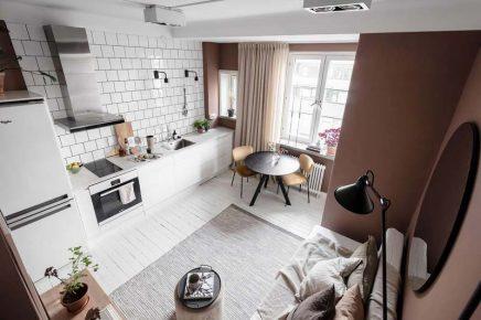 In dieser kleinen Wohnung von nur 23m2 mit Terrakottawänden ...