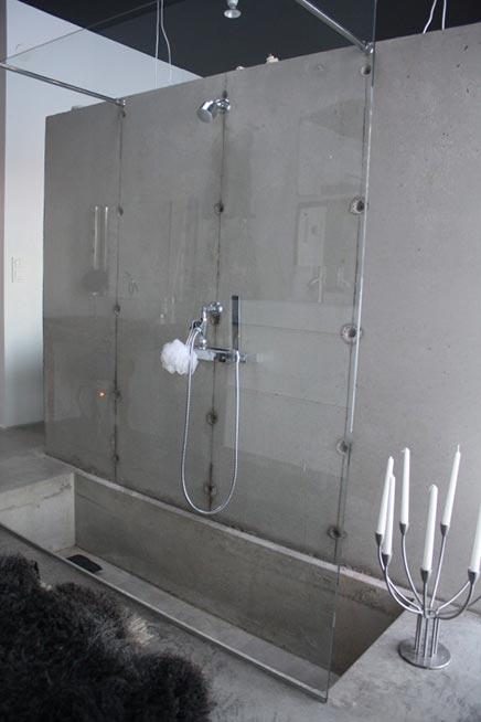 Industrielle Badezimmer von Maliinn Stoor