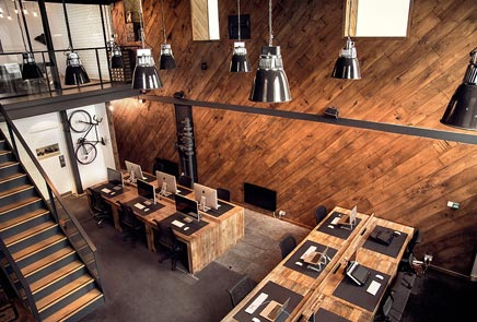 Industrielle Büro design von Werbeagentur Ubiquitous