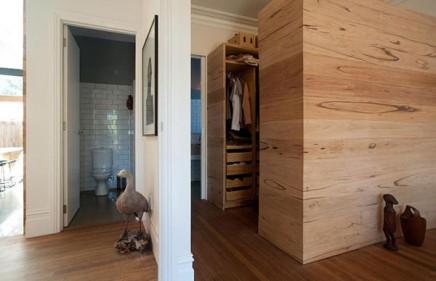 begehbarer kleiderschrank im schlafzimmer aus australien wohnideen einrichten. Black Bedroom Furniture Sets. Home Design Ideas