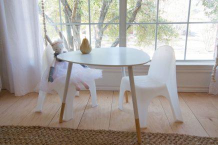 interior-designer-ginger-designs-neutral-kinderzimmer-fur-ihren-sohn-und-tochter-geteilt-3
